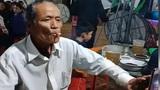 Người đàn ông làm ảo thuật cùng...điếu thuốc