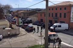 Bắt cóc con tin tại siêu thị Pháp, 4 người chết