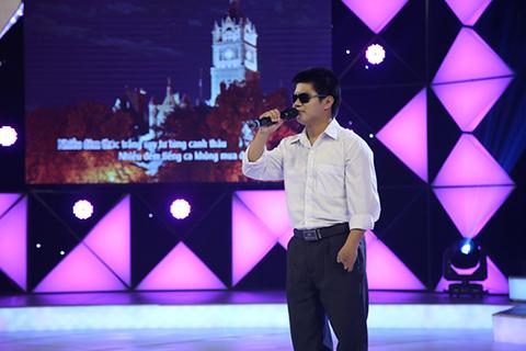 Người cha khiếm thị thi hát vì con giành giải thưởng 50 triệu đồng