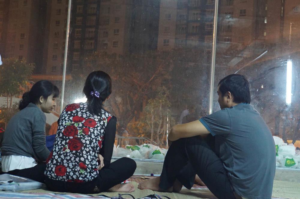 Tình người ấm áp trong vụ cháy chung cư Carina Plaza