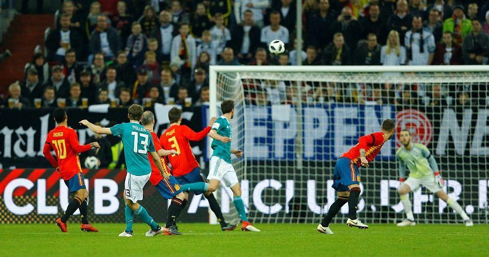 De Gea bó tay vì siêu phẩm, Tây Ban Nha tuột chiến thắng trước Đức