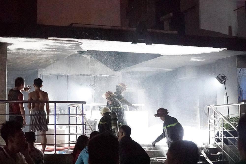 Vụ cháy chung cư Carina Plaza: Cứu cả gia đình nhờ áo ngực phụ nữ