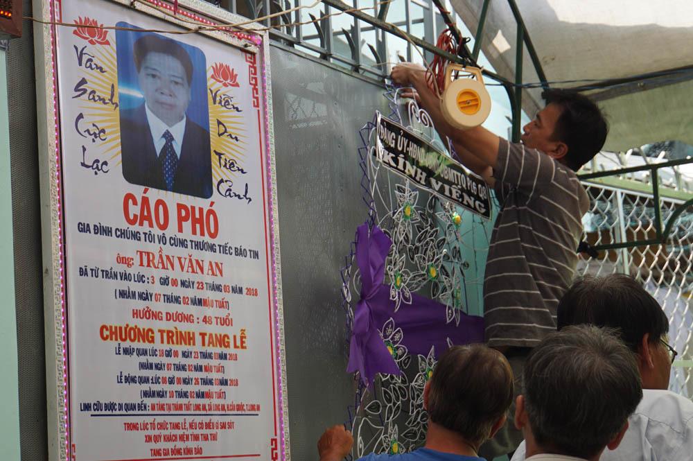 Đám tang đẫm nước mắt của bảo vệ cứu 40 người vụ cháy Carina Plaza
