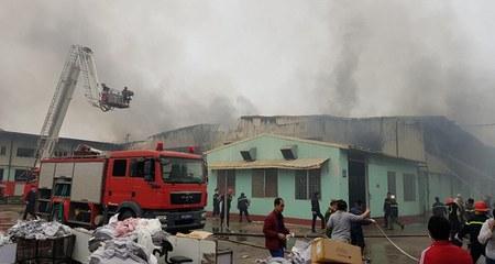 Cháy nhà máy may Vina Korea Vĩnh Phúc lúc rạng sáng