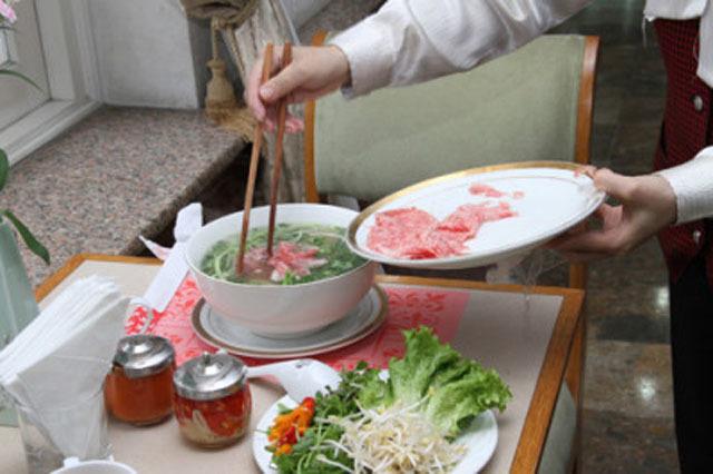 Sửng sốt với những thực đơn xa hoa của đại gia Việt