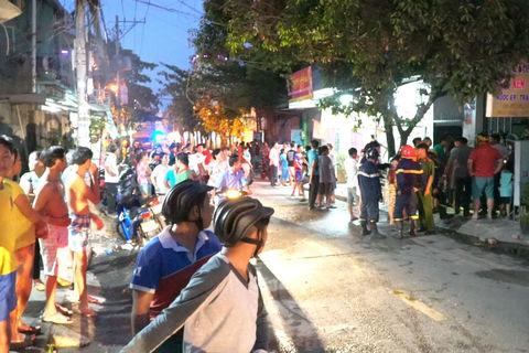 Hai bà cháu thoát nạn trong căn nhà rực lửa ở Sài Gòn