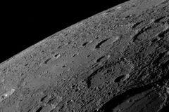 Khám phá bề mặt của Sao Thủy
