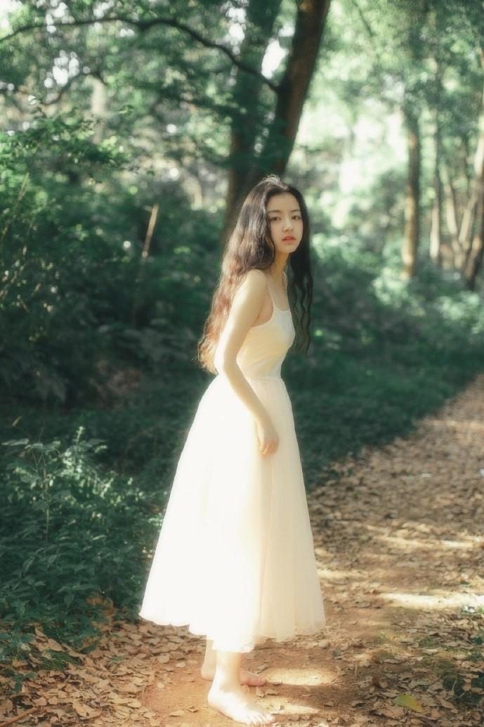 Nhiếp ảnh gia 9X vừa chụp hình đẹp, vừa xinh như hot girl