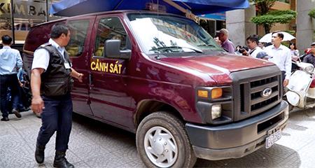 Vụ mất 245 tỷ đồng tiết kiệm: Bắt 2 nữ cán bộ Eximbank chi nhánh TP.HCM