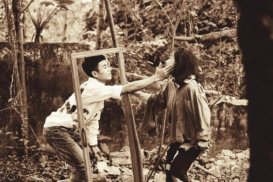 Teen Hà thành gây cười với ảnh kỷ yếu phong cách 'cái bang'