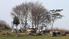 Cánh đồng chum 2.000 năm bí ẩn ở Lào