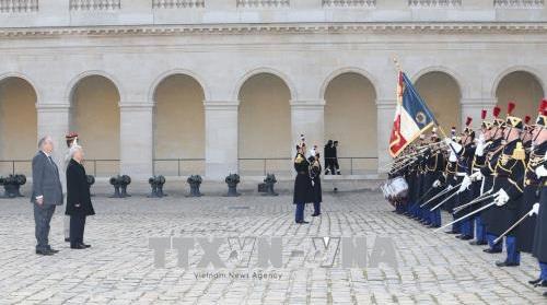 Tổng bí thư thăm TP Choisy Le Roi, gặp gỡ những người bạn Pháp