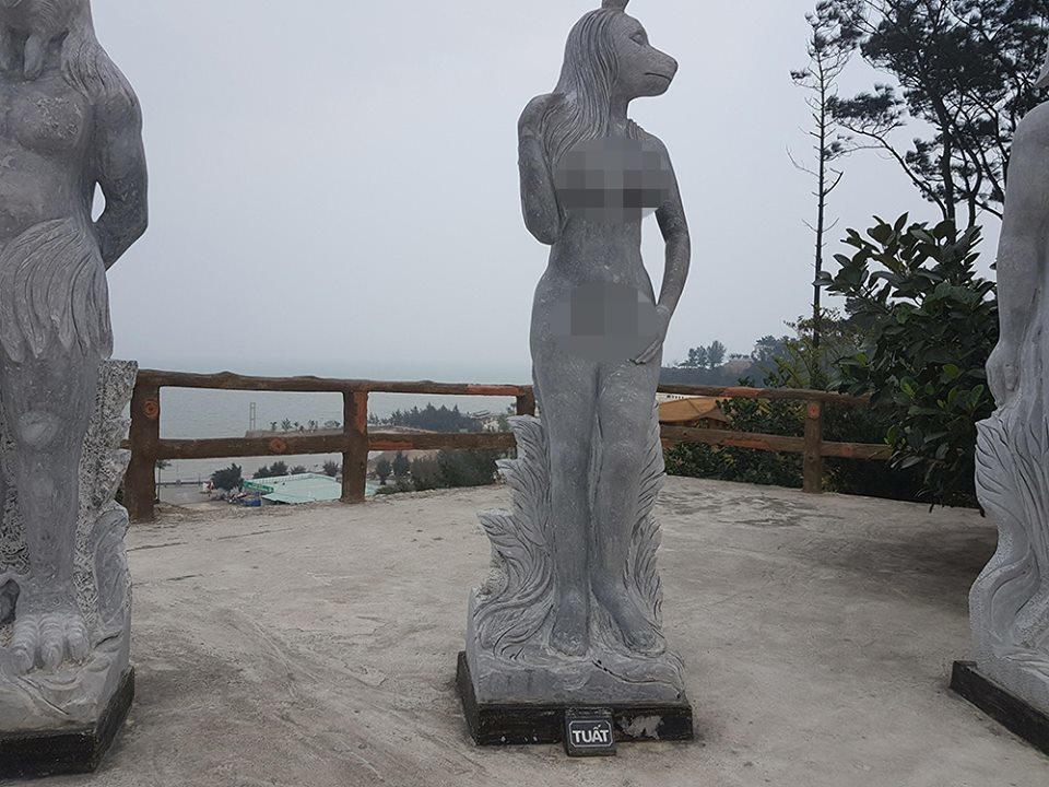 Tranh cãi quanh tượng 12 con giáp khỏa thân như người ở Hòn Dáu