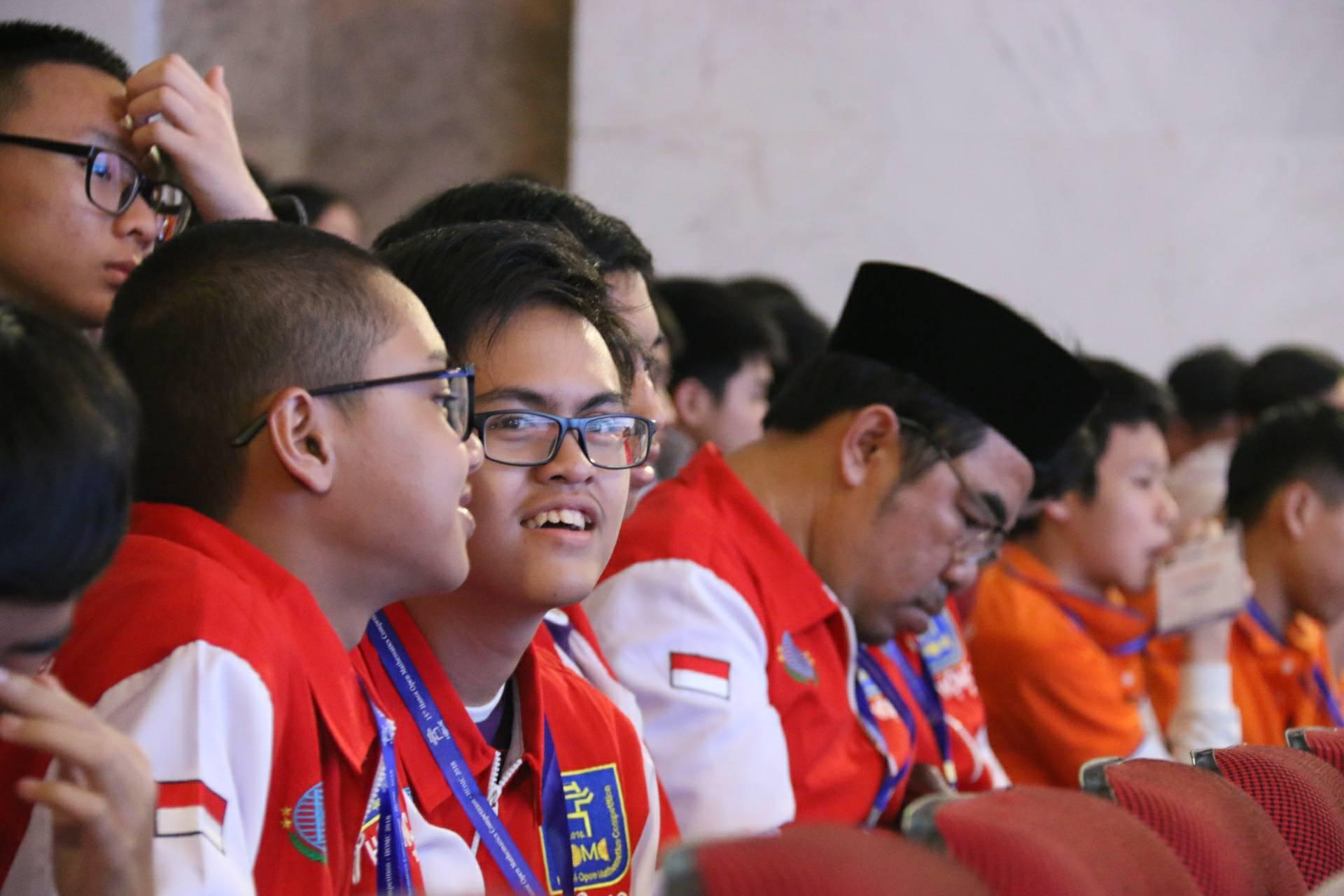 Học sinh quốc tế đến Việt Nam tranh tài Toán học