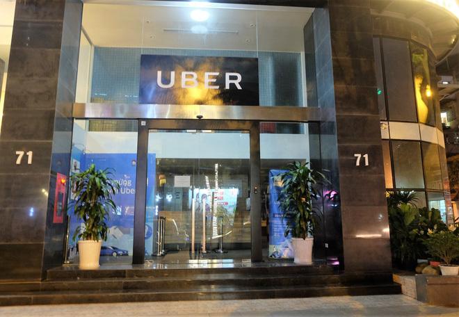 Uber nhập vào Grab: Văn phòng tại Việt Nam lập tức đóng cửa