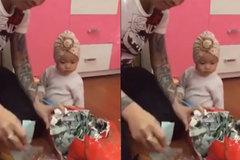 Ông bố soái ca tiết kiệm 5 năm để mừng sinh nhật con gái
