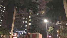 Hà Nội: Cháy trong chung cư, dân rầm rập lao xuống đường
