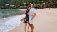 Hồ Ngọc Hà - Kim Lý khoe ảnh ôm nhau tình tứ trước biển