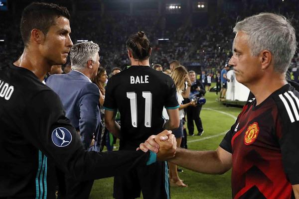 MU đấu Man City, Mourinho cầu cứu Ronaldo