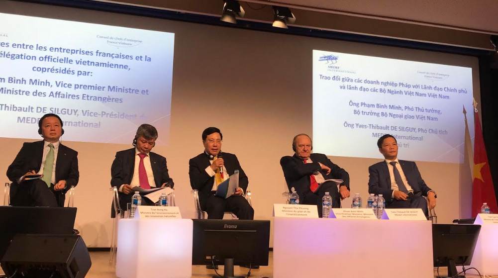 Phó Thủ tướng Phạm Bình Minh chủ trì trao đổi với các tập đoàn Pháp