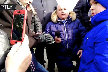 Quan chức Nga quỳ gối xin dân tha thứ vụ hỏa hoạn
