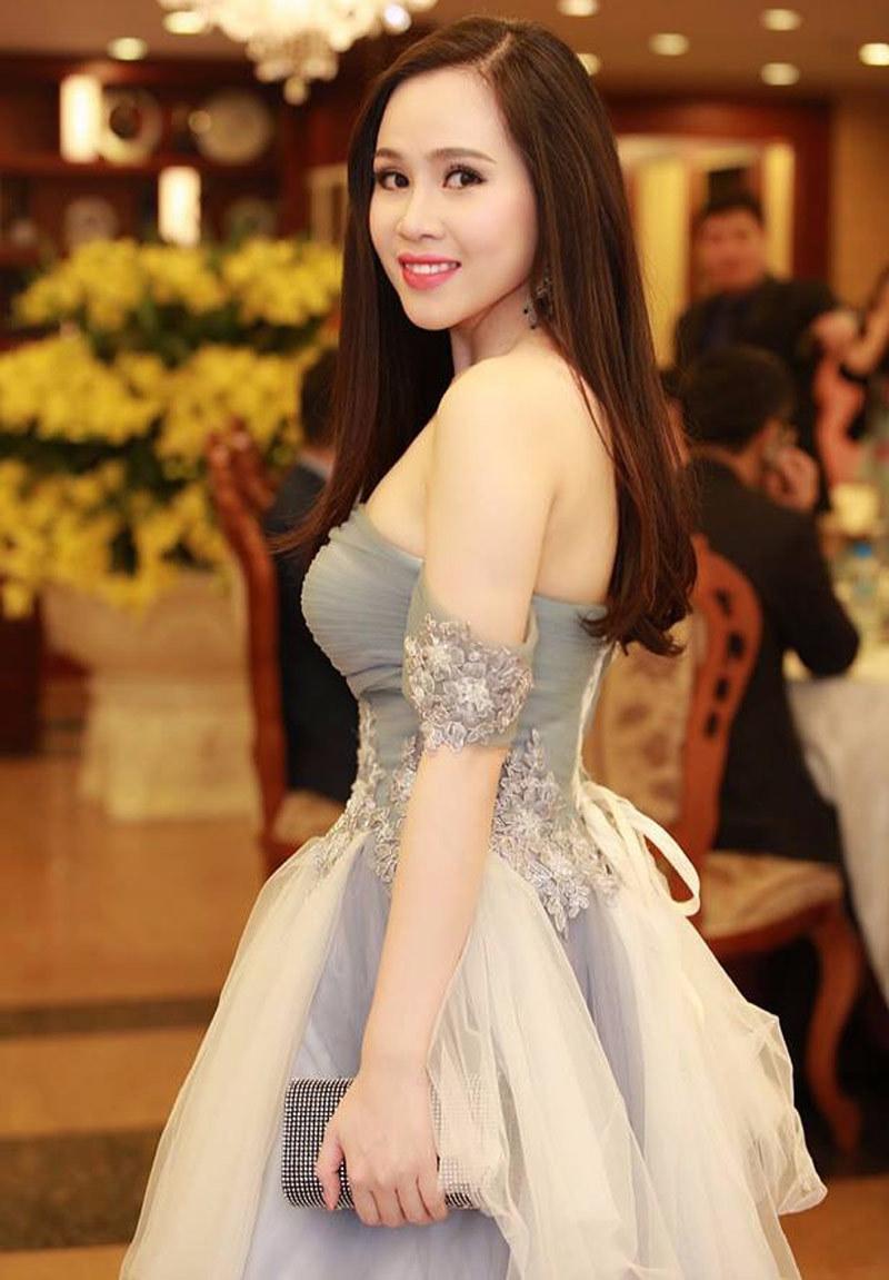 Truong Phuong trong 1 su kien