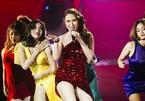Mỹ Tâm gây sốt khi xuống sân khấu mời Hà Hồ nhảy cùng