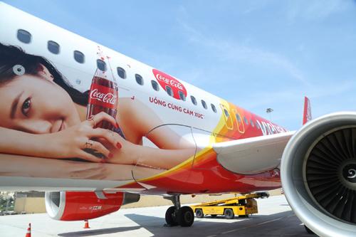Tàu bay Vietjet sơn biểu tượng tình hữu nghị Việt - Pháp