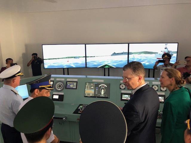 Mỹ chuyển giao tiếp 6 xuồng tuần tra cho Cảnh sát biển VN