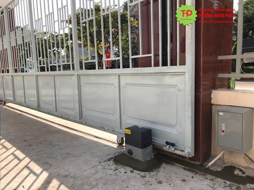 Điểm vượt trội trong sản phẩm cửa cổng xếp Trường Hưng Phát