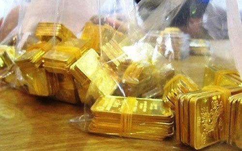 Giá vàng hôm nay 10/4: USD chao đảo, vàng đảo chiều