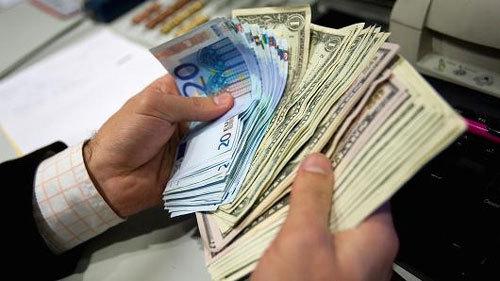 Tỷ giá ngoại tệ ngày 3/4: USD tụt giảm nhanh