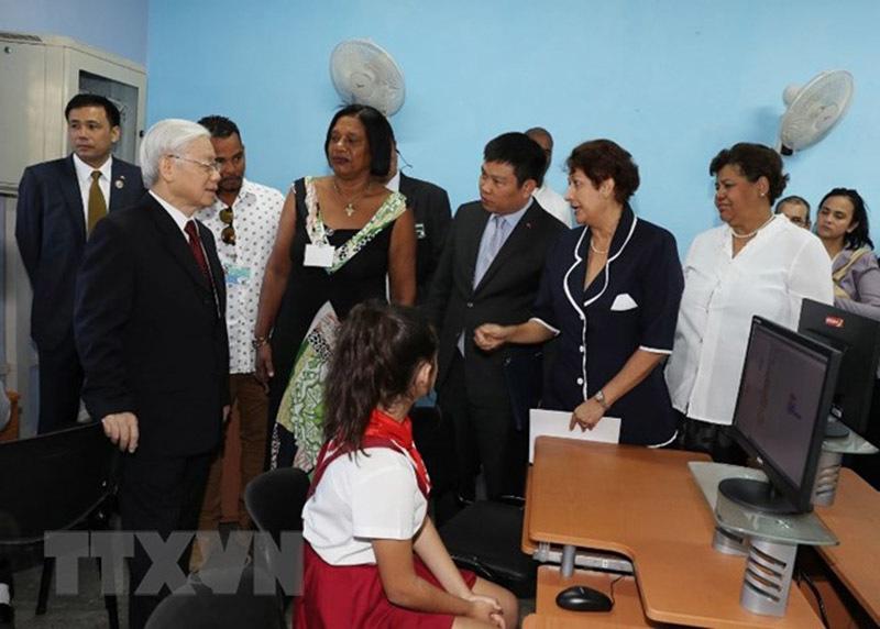 Tổng bí thư nhận bằng Tiến sỹ danh dự chuyên ngành khoa học chính trị tại Cuba