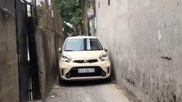 Nữ lái xe Kia Morning vượt hẻm siêu hẹp ở Sài Gòn khiến giới mày râu nể phục