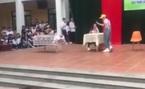 Đôi học sinh tái hiện MV của Chi Pu trên sân khấu tài năng
