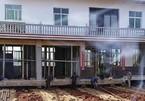 Chi cả tỷ để dời cả căn nhà ra xa hàng chục mét
