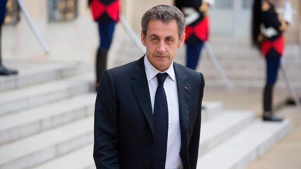 Cựu tổng thống Sarkozy phải hầu tòa vì tội mới