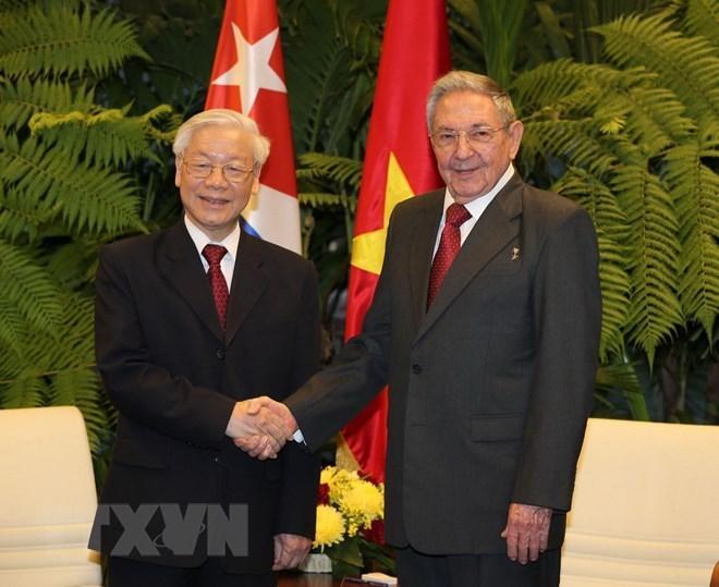 Chủ tịch Cuba Raul Castro đón, hội đàm với Tổng bí thư
