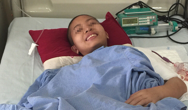 Mắc ung thư xương, thiếu nữ 16 tuổi được nối cánh tay