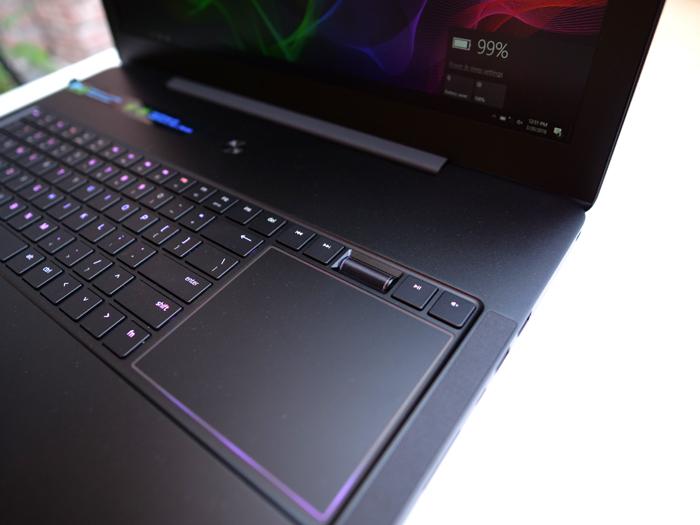 Laptop khủng 32GB RAM dành cho game thủ, giá 90 triệu đồng