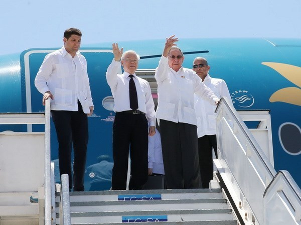 Chủ tịch Cuba và Tổng bí thư thăm Santiago De Cuba