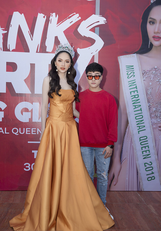 Hoa hậu Chuyển giới,Hương Giang Idol