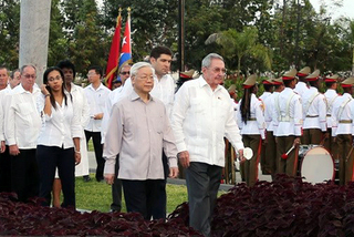 Hoạt động của Tổng bí thư tại Santiago De Cuba