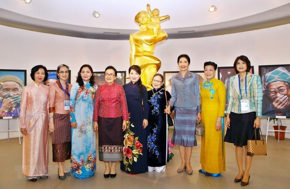 Hoạt động của Phu nhân các Trưởng đoàn tham dự Hội nghị GMS-6, CLV-10