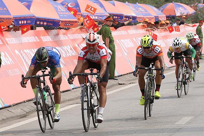 Giải xe đạp TH TPHCM: Lê Văn Duẩn thắng chặng 3