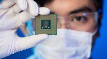 Samsung vượt qua Intel, trở thành nhà sản xuất chip số 1 thế giới