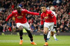 """Sanchez và Lukaku lập đại công, MU """"xử đẹp"""" Swansea"""