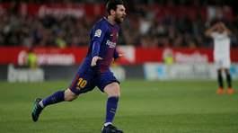 Messi ghi tuyệt phẩm, Barca trở về từ cõi chết