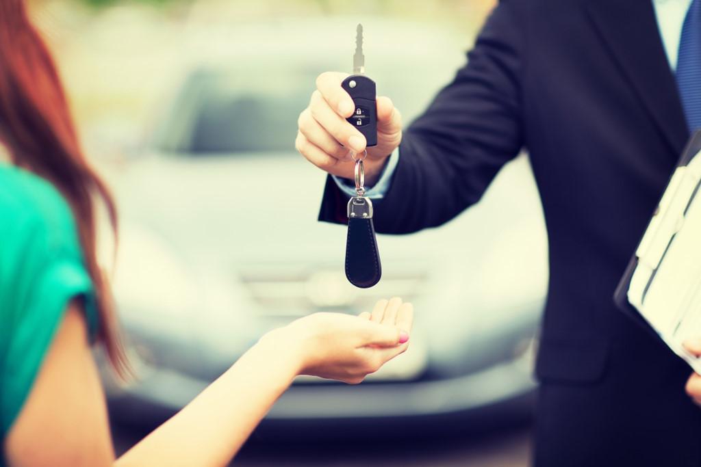 Những điều nên xem xét kỹ khi mua ô tô cũ