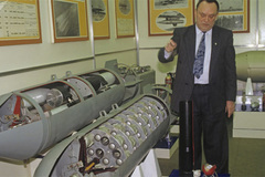 Sức mạnh khủng khiếp của bom tàng hình Nga